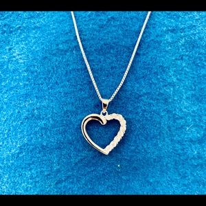Brand new 925 pure silver heart necklace with Cz.